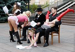 Нажмите на изображение для увеличения.  Название:Femen 16 11 2009 2.jpg Просмотров:257 Размер:132.6 Кб ID:877