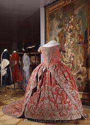 Нажмите на изображение для увеличения.  Название:Платье коронац&#10.jpg Просмотров:3969 Размер:195.3 Кб ID:32145