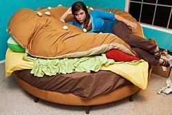 Нажмите на изображение для увеличения.  Название:geek art furniture burger-bed-1.jpg Просмотров:277 Размер:41.2 Кб ID:10764