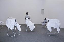Нажмите на изображение для увеличения.  Название:Yan Xing,He Has To Die, 2010 - 2012,Performance Installation, laboratory coats, acryl frame surf.jpg Просмотров:303 Размер:51.7 Кб ID:28191